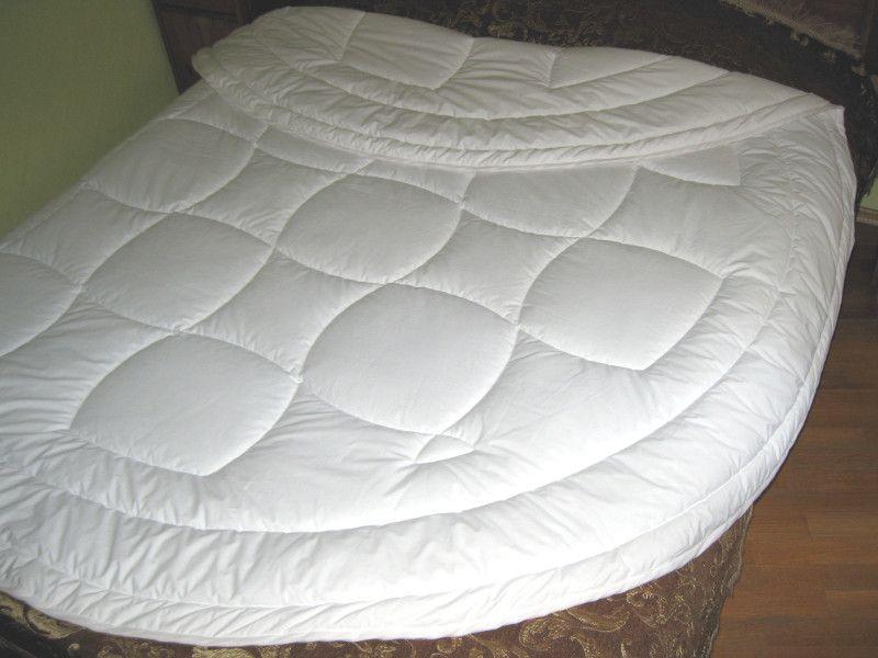 Круглое стеганое одеяло